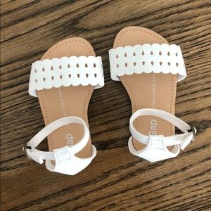 BanyGap sweet white sandals